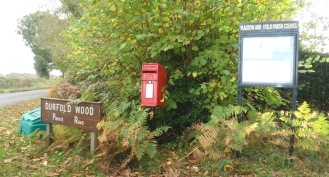 Durfold Wood Royal Mail Post Box at entrance (Photo: C. Gibson-Pierce)